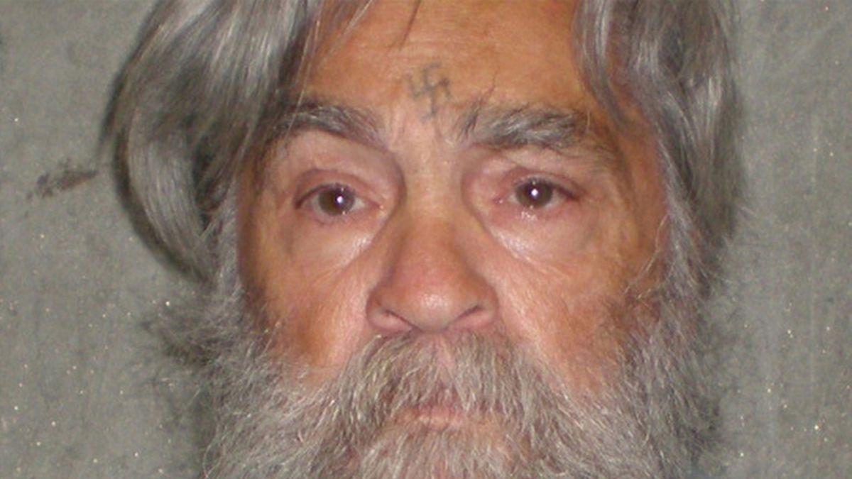 El video que muestra la locura del asesino serial Charles Manson