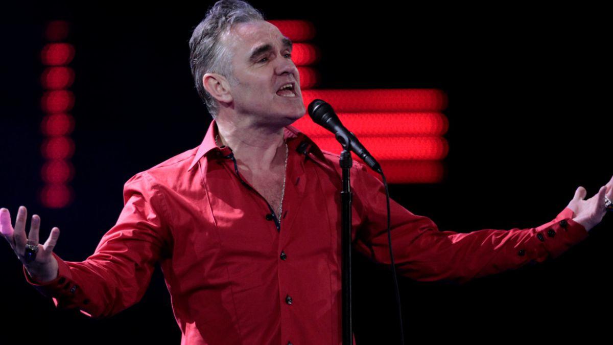 Morrissey no cambia: Cancela show en Islandia por venta de carne
