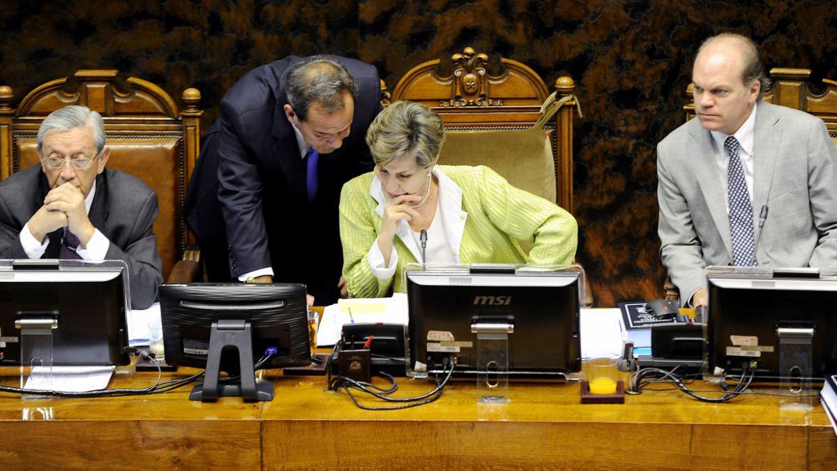 Vinos, cecinas y becas: Los donativos recibidos por senadores según ley del lobby