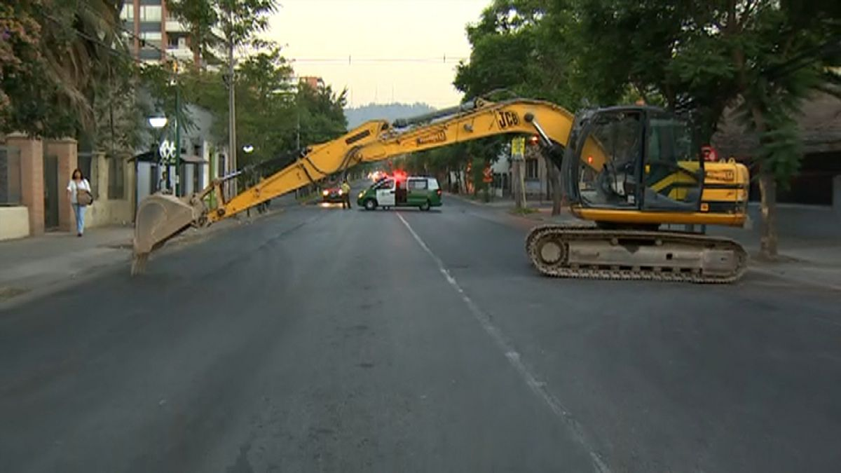 Se reestablece tránsito en Irarrázaval tras protestas de trabajadores