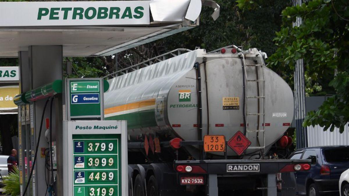 Tesorero del principal partido oficialista brasileño declara por escándalo en Petrobras