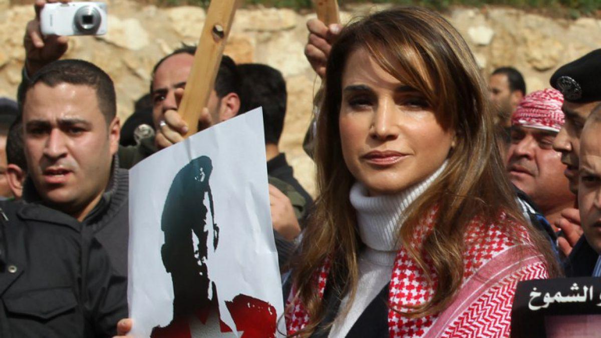 Reina Rania se une a manifestación por piloto jordano
