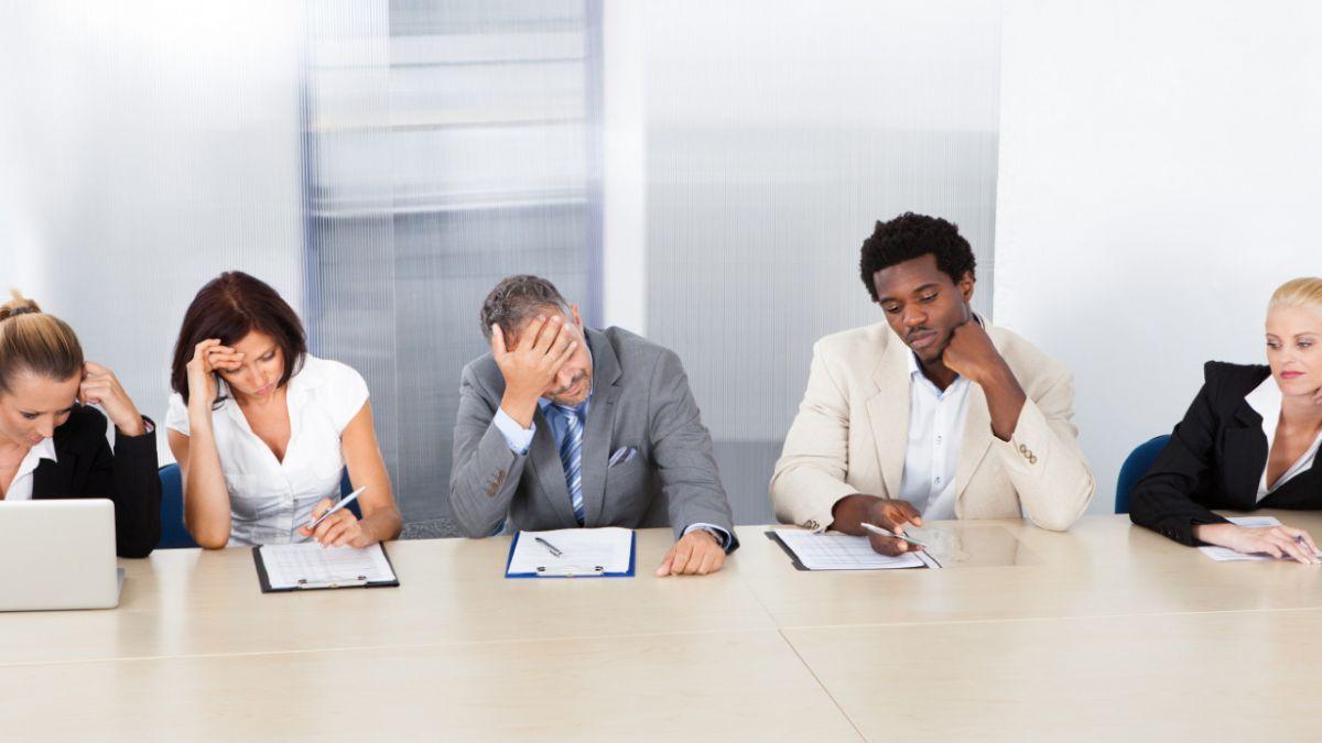 Tres consejos para no quedarse dormido en reuniones aburridas