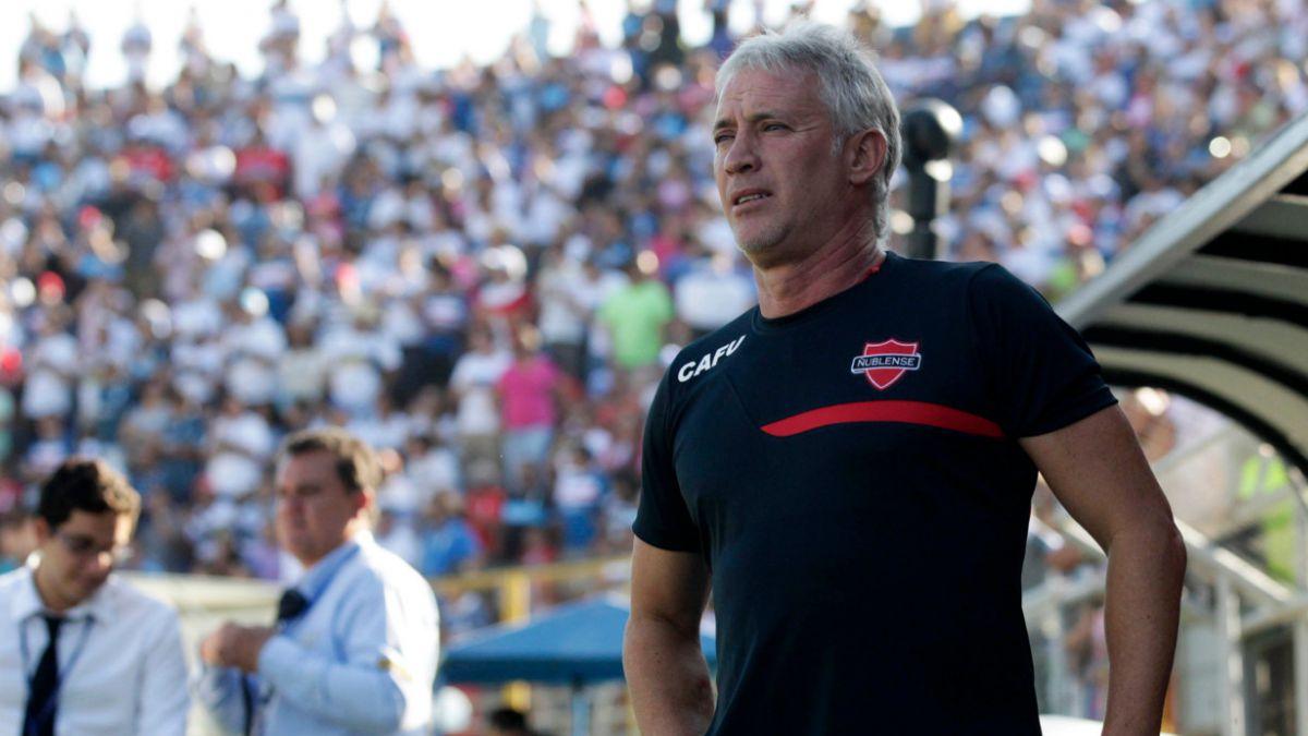 Ñublense se queda sin técnico: Basay deja la banca de los Diablos Rojos