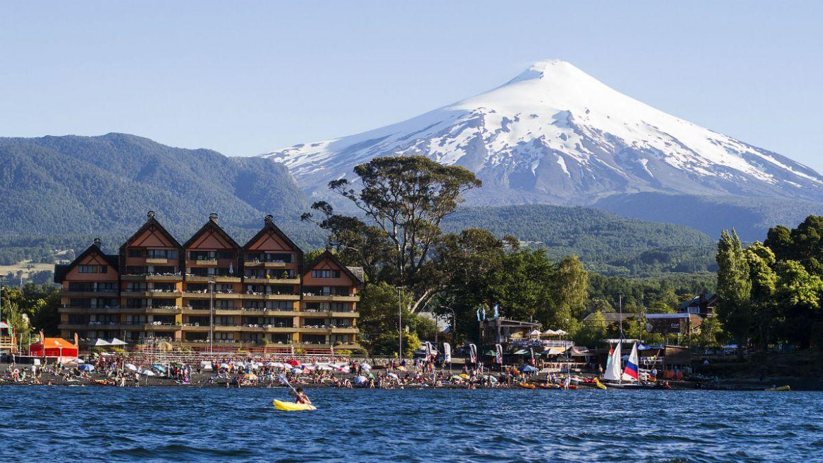Sernageomin decreta Alerta Amarilla en volcán Villarrica