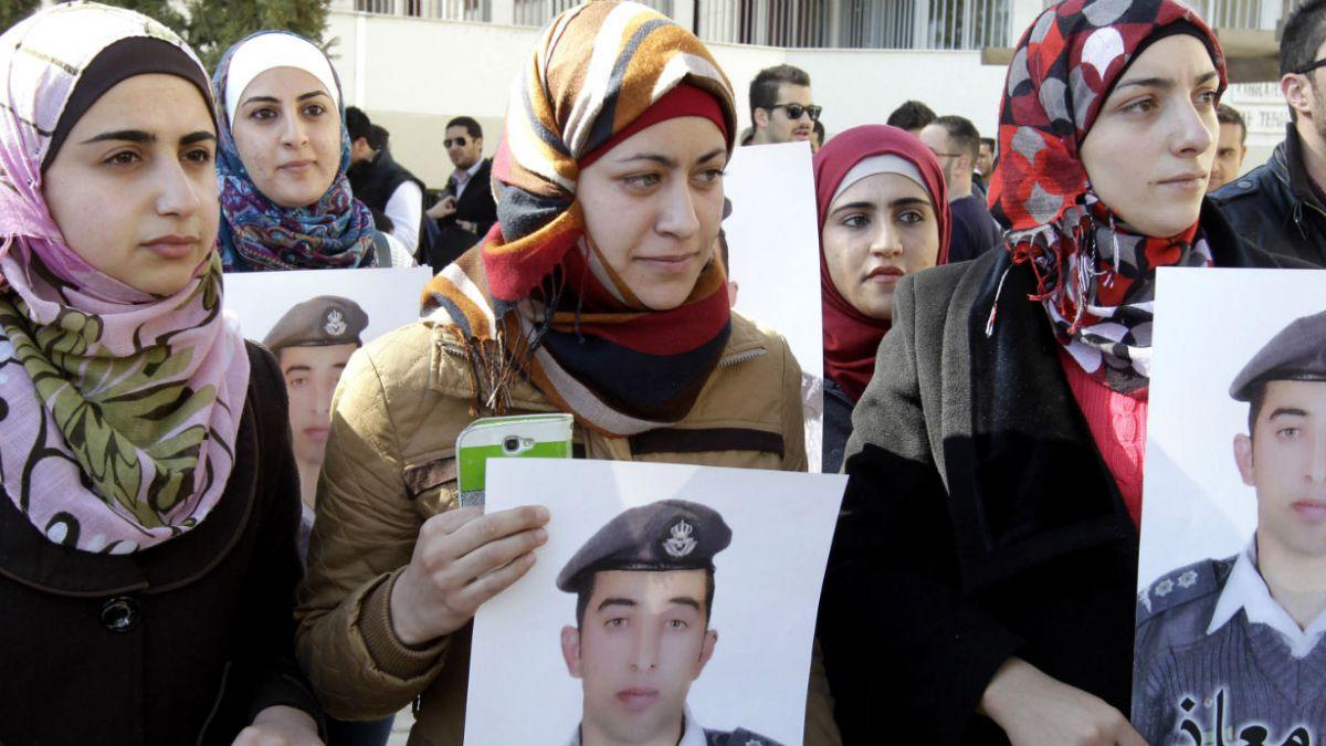 Emiratos Árabes enviará F-16 a Jordania para colaborar en bombardeos contra ISIS