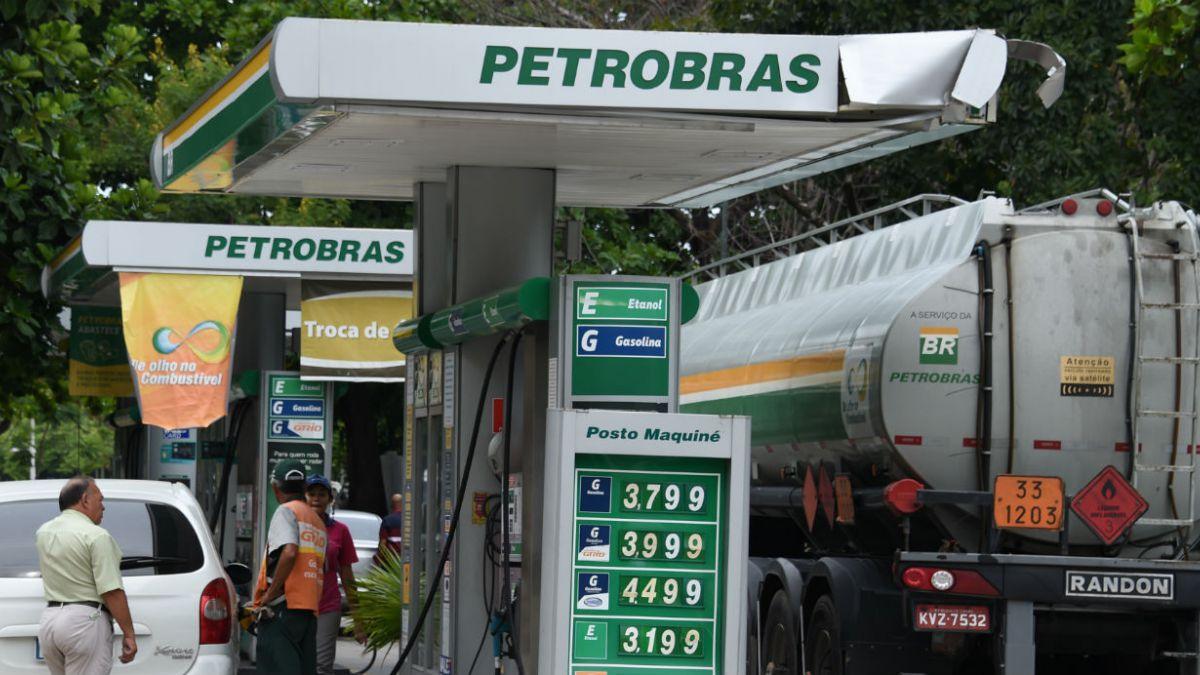 Exgerente de Petrobras revela desvío de 164 millones de dólares hacia el partido de Rousseff