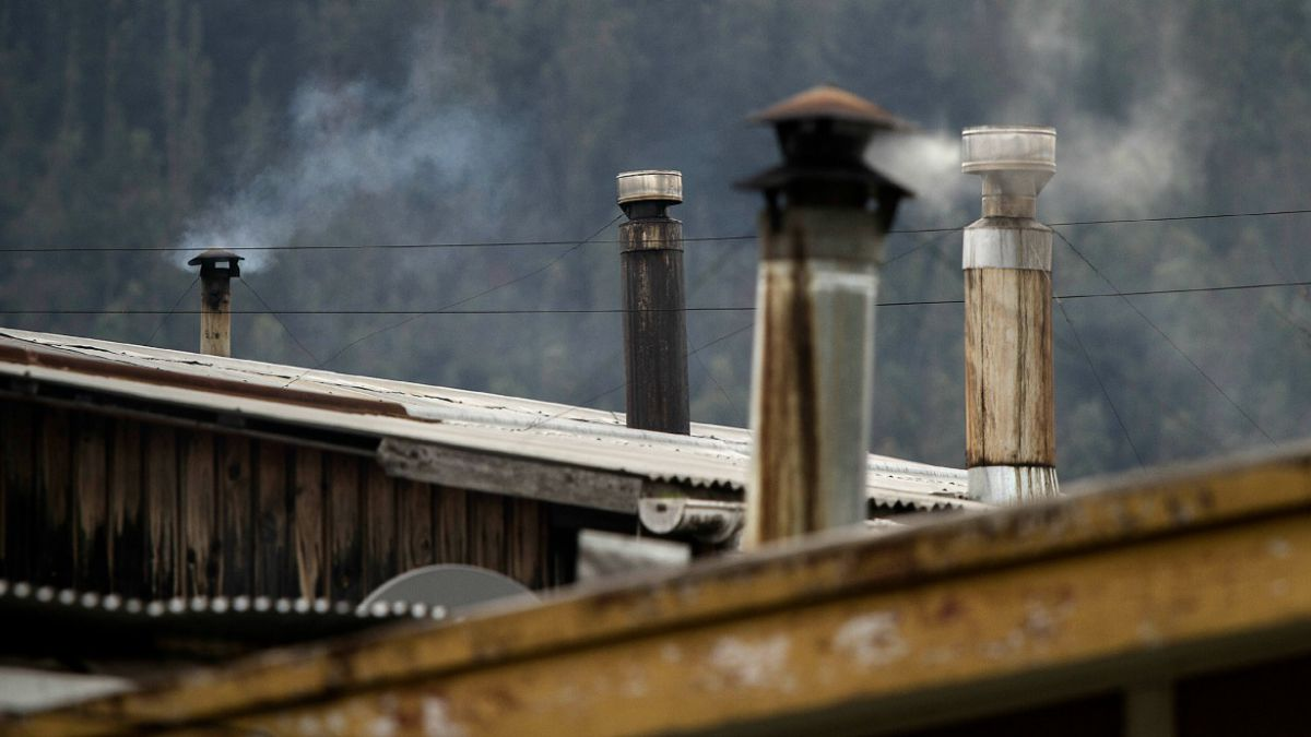 Contaminación del aire es el mayor conflicto ambiental según un tercio de los chilenos