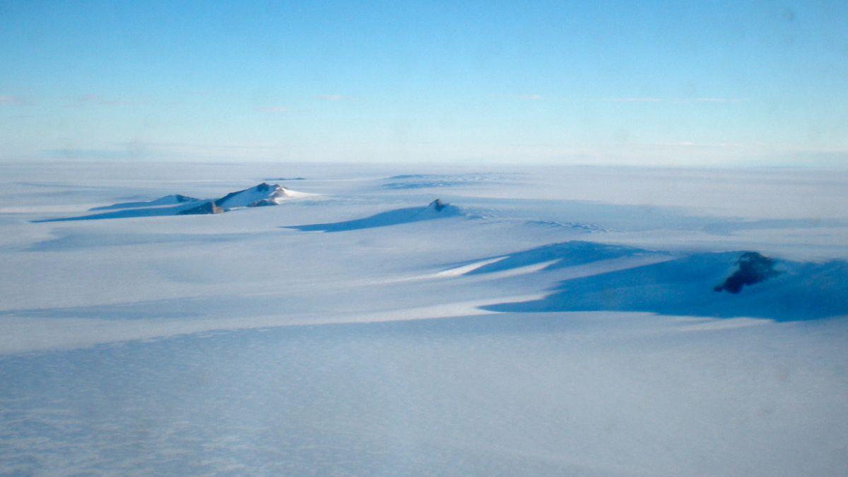 Científicos buscan aclarar origen de anillo gigante en la Antártida