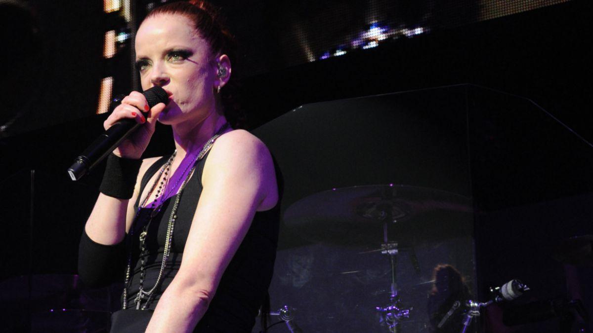 "Grammy: Vocalista de ""Garbage"" se lanza contra Kanye West por polémica con Beck"