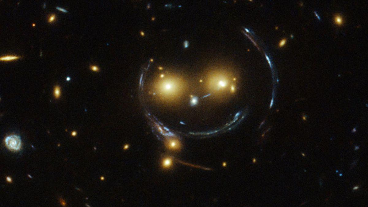 ¡Sonríe, te estamos grabando!: telescopio espacial Hubble capta galaxia sonriente