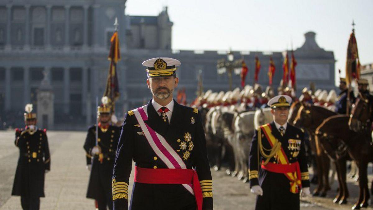 Rey de España se baja su sueldo en un 20%