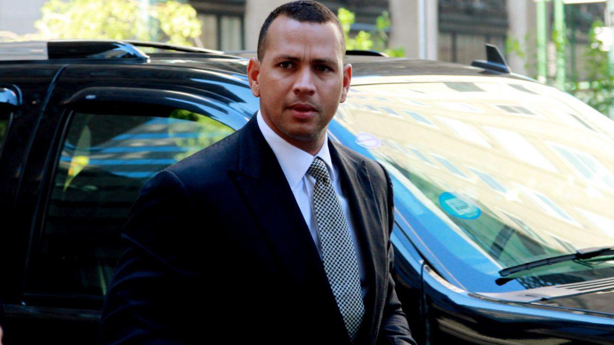 Beisbolista Alex Rodríguez pide perdón a los Yankees por haberse dopado