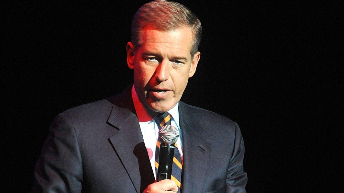 Suspenden a conductor de NBC por mentira sobre guerra de Irak