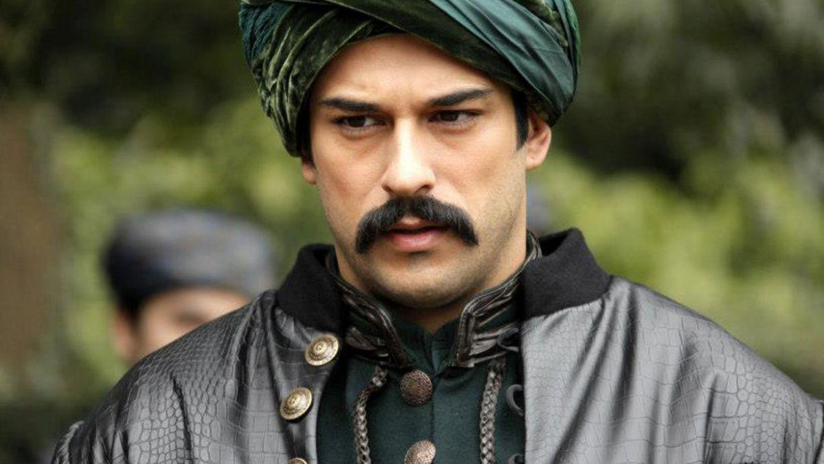 """La historia de Burak Özçivit, el nuevo galán de la teleserie """"El Sultán"""""""