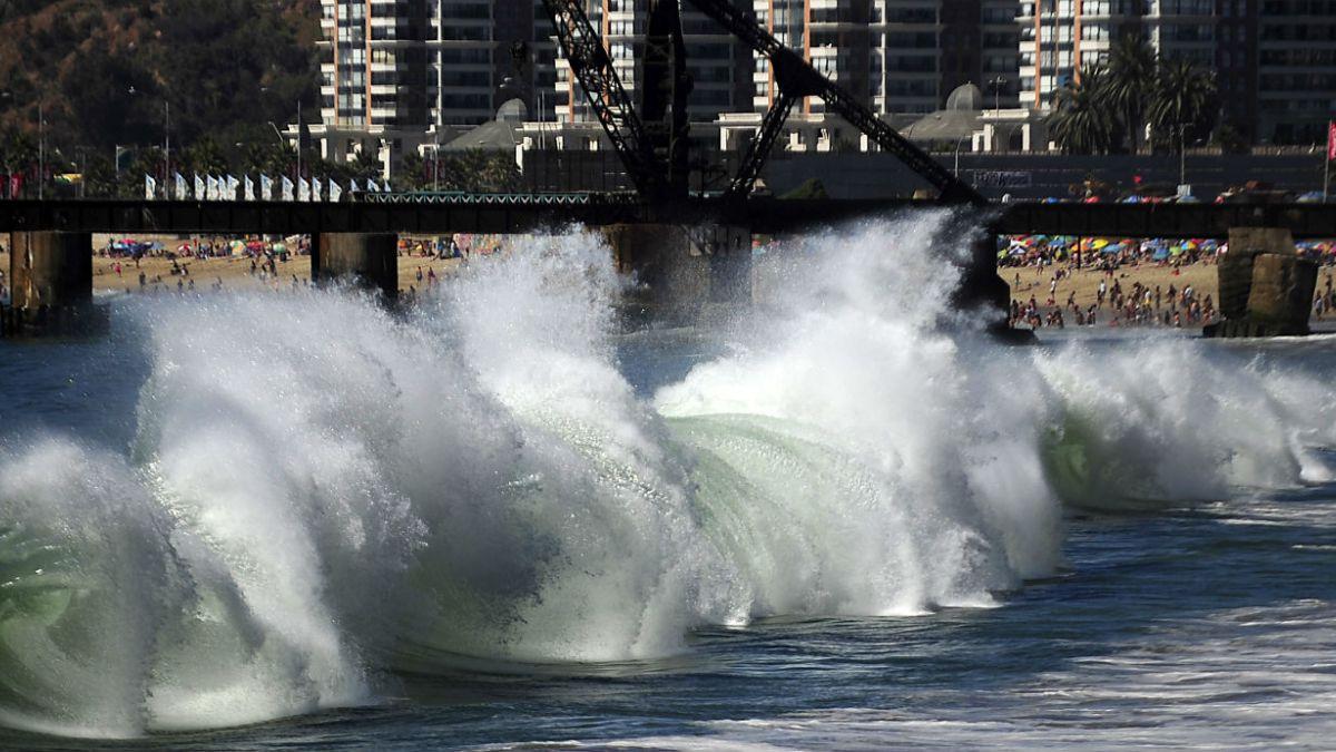 Fuertes marejadas afectarán a la costa chilena hasta el domingo