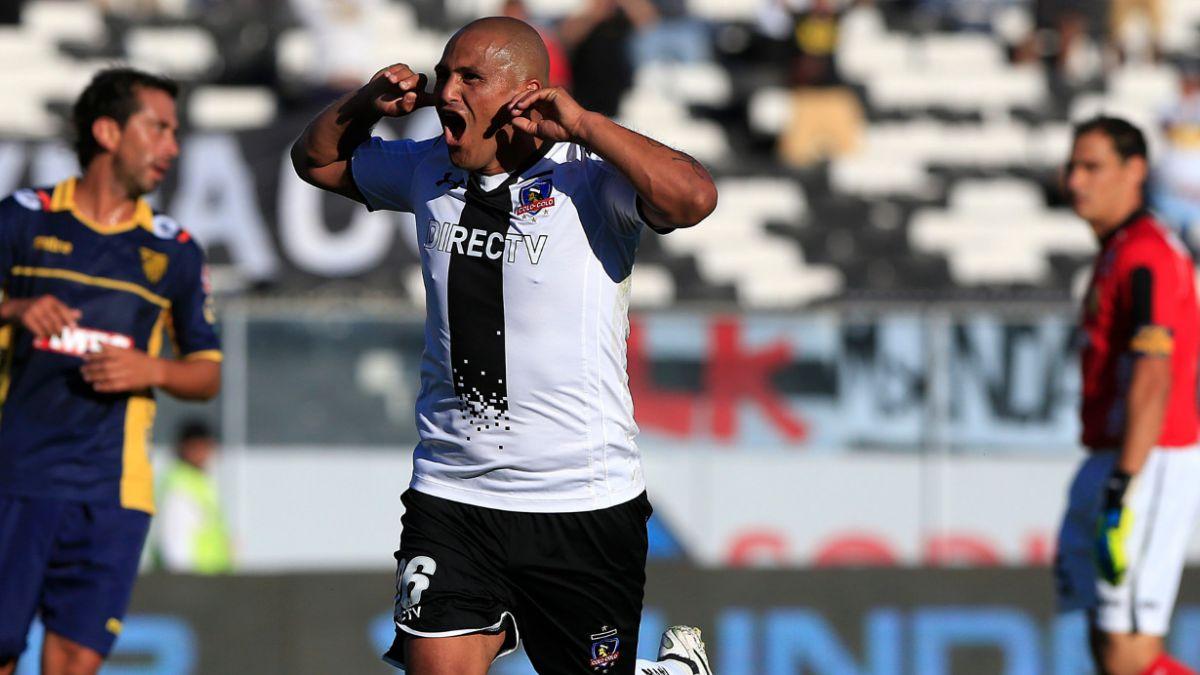 Suazo anuncia el fin de su carrera tras los dos años que le quedan en Colo Colo