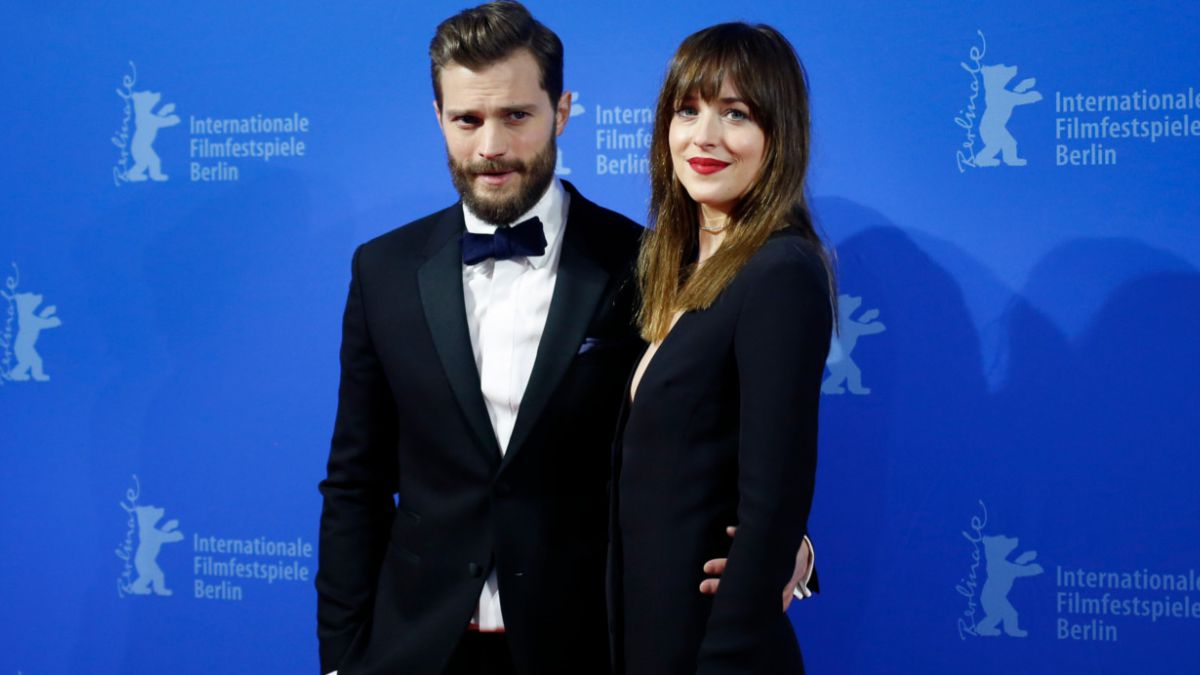 """[FOTOS] Protagonistas de """"50 sombras de Grey"""" deslumbran en premiere mundial"""