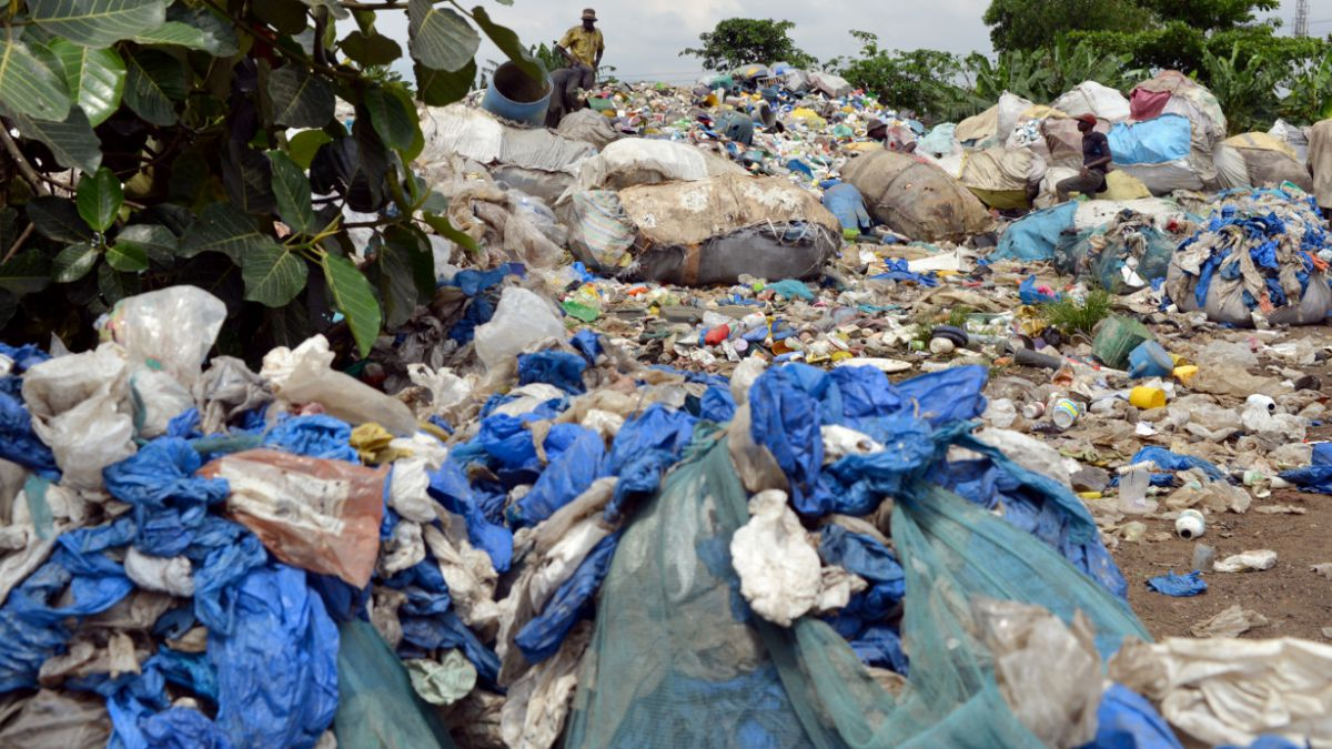 Revelan que ocho millones de toneladas de plástico llegan a los océanos cada año