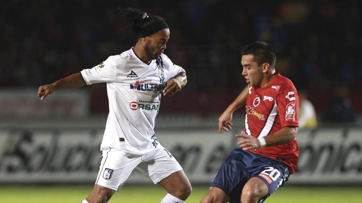 Ronaldinho podría jugar en África