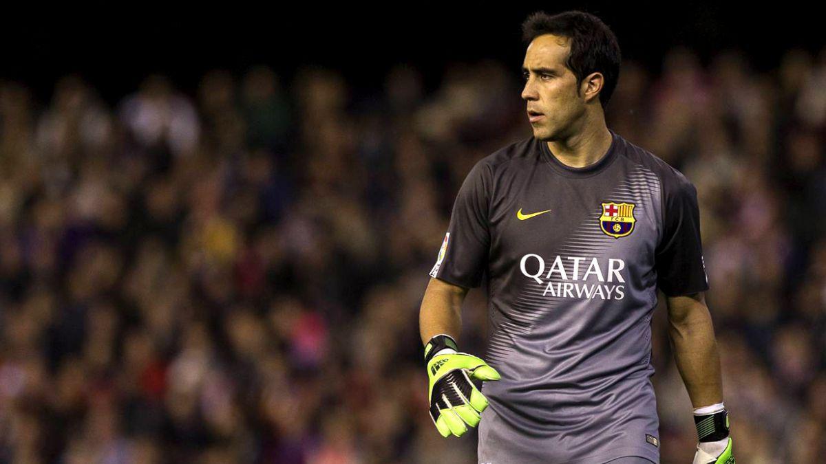 Bravo y otros futbolistas felicitan el logro de Palestino
