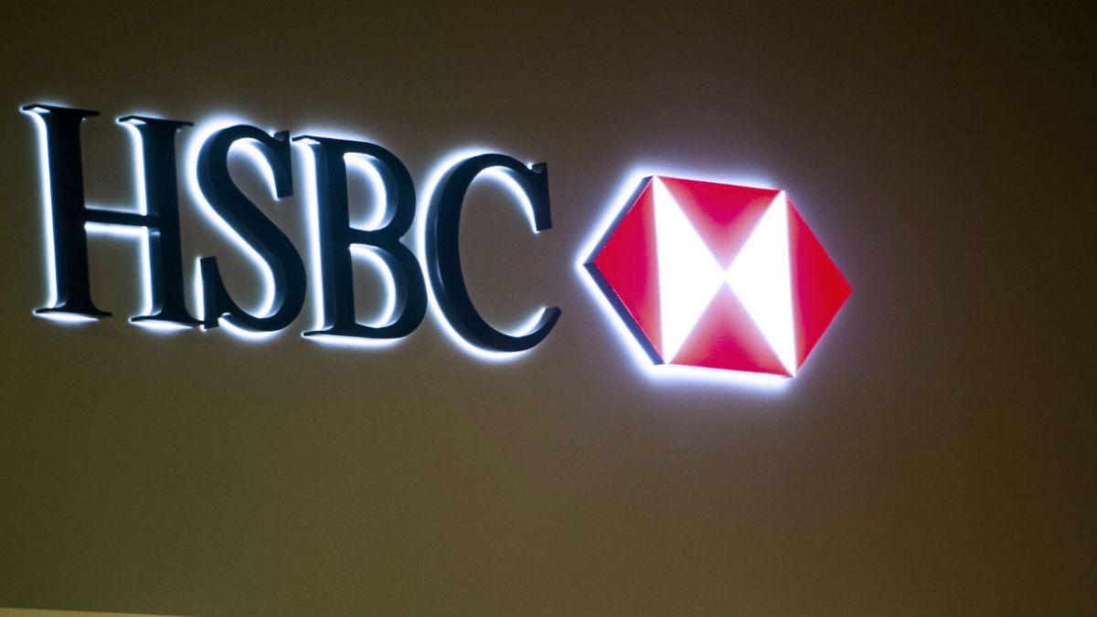 Expresidente del grupo bancario HSBC dimite de su cargo