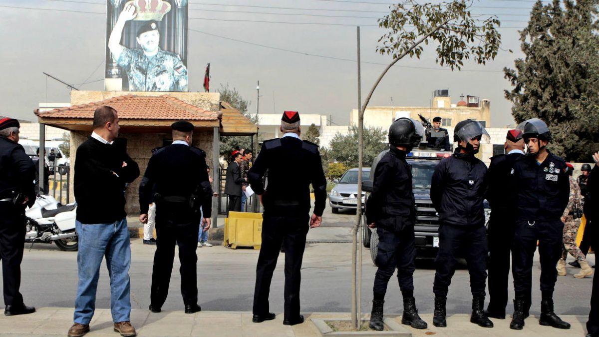 Sentencian a prisión a líder de Hermanos Musulmanes en Jordania