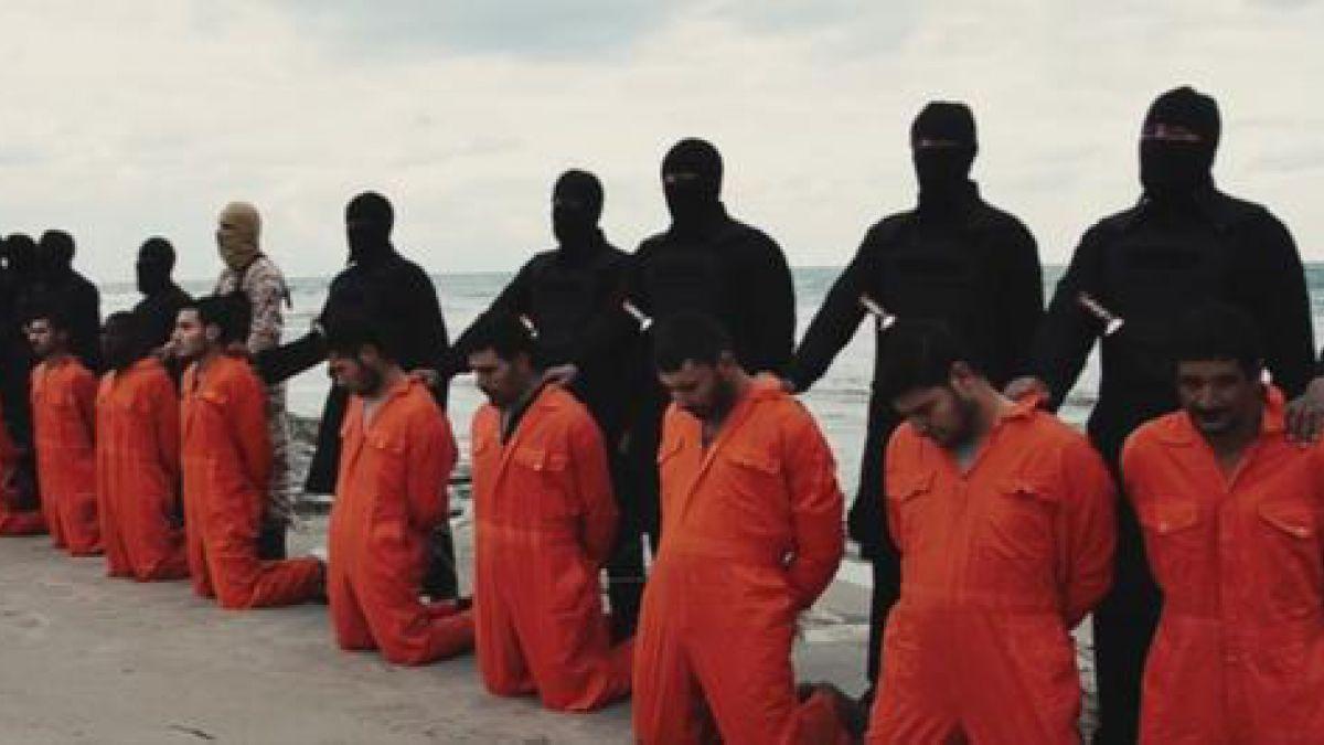 Estado Islámico difunde decapitación de una decena de egipcios en nuevo video