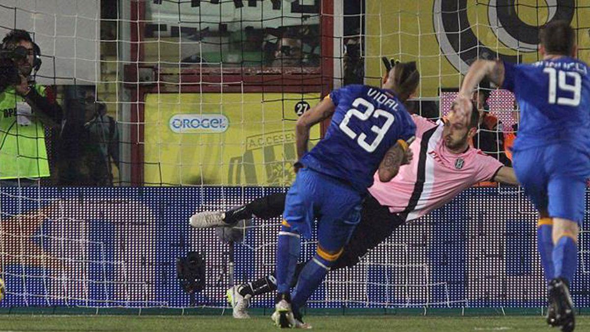 Arturo Vidal erró penal en empate de Juventus