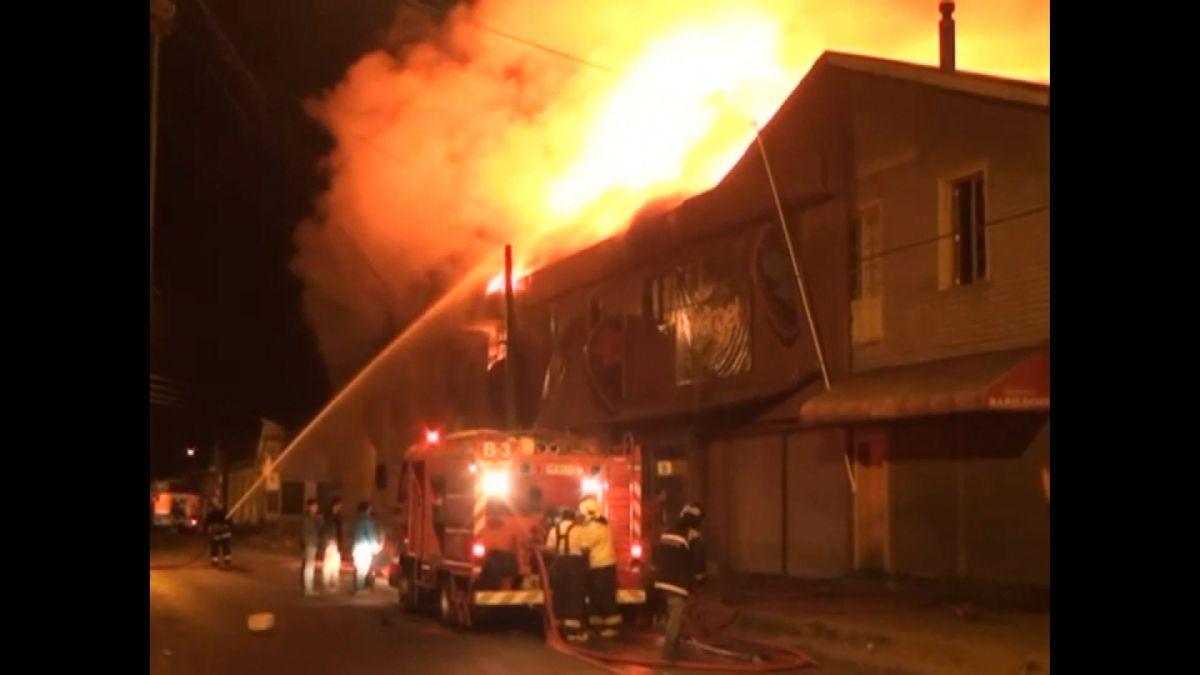 Bomberos controla incendio en Cañete