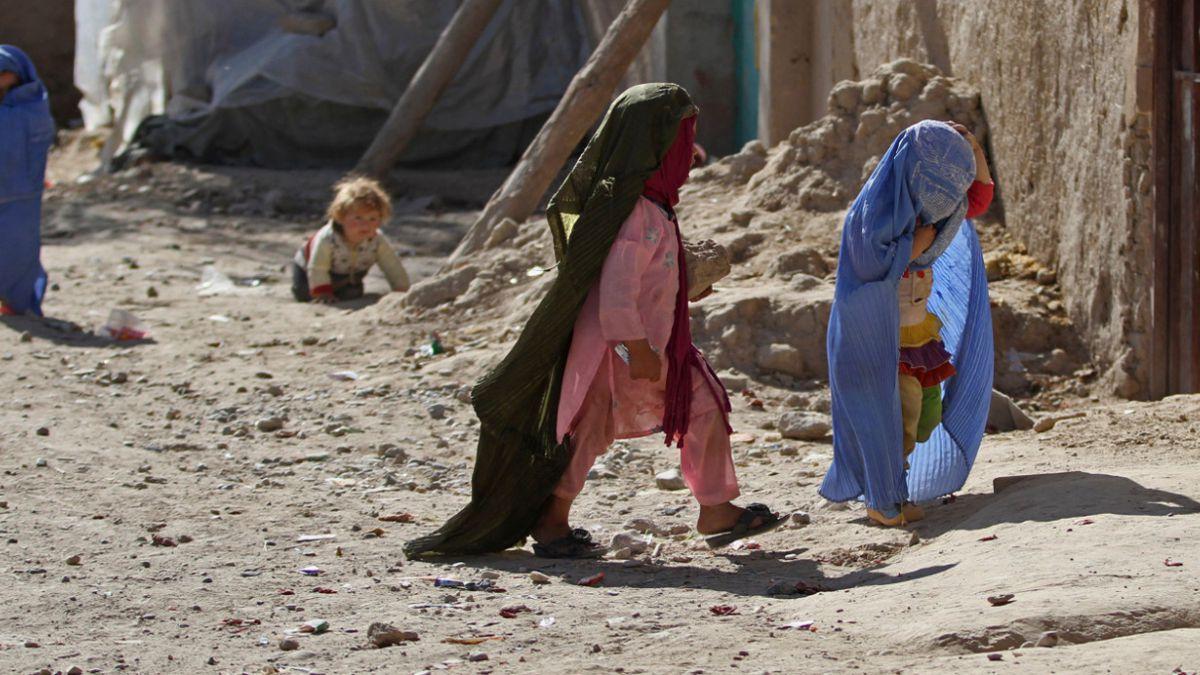 Niña de 10 años es casada a la fuerza en Afganistán