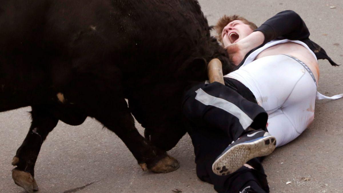 [FOTOS] La impresionante cornada que sufrió joven estadounidense en España
