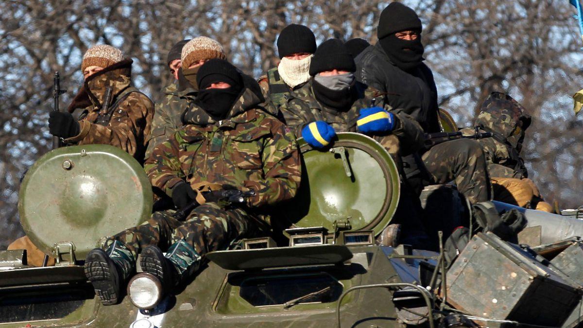 Detienen a ocho combatientes españoles a su regreso del frente en Ucrania