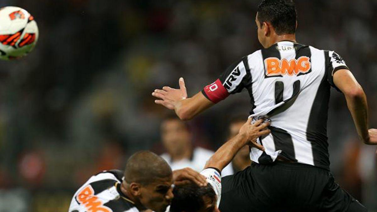 Atlético Mineiro tendrá bajas importantes ante Colo Colo