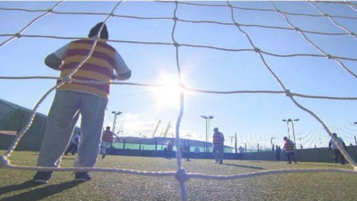 Los beneficios del fútbol en el que está prohibido correr