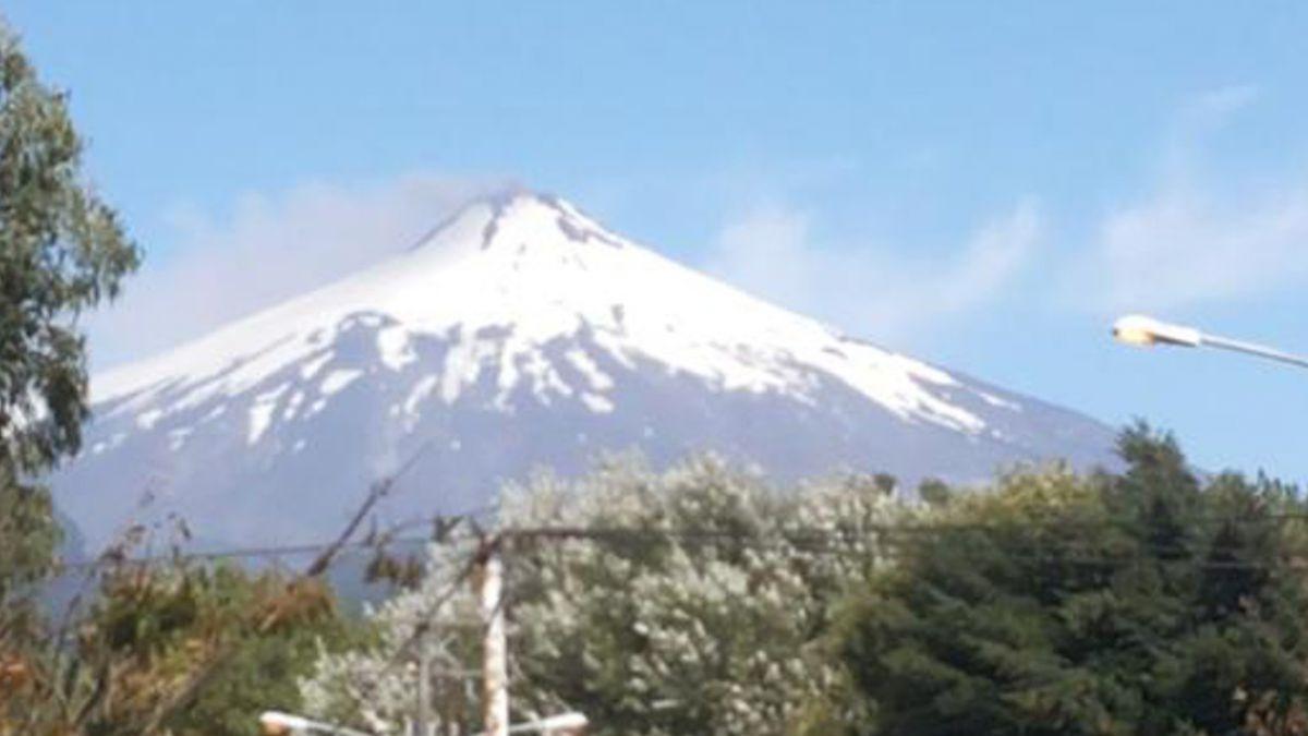 Onemi mantiene alerta para cuatro comunas por volcán Villarrica