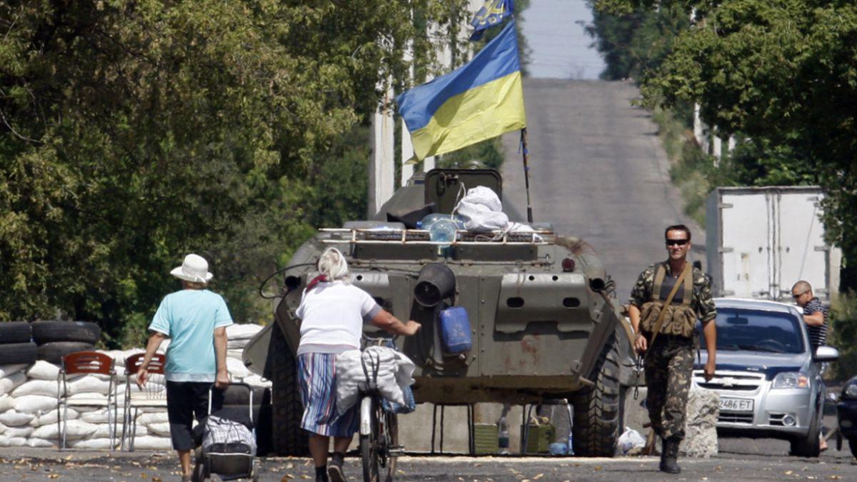 Ejército ucraniano evacúa a parte de sus tropas cercadas en Debáltsevo