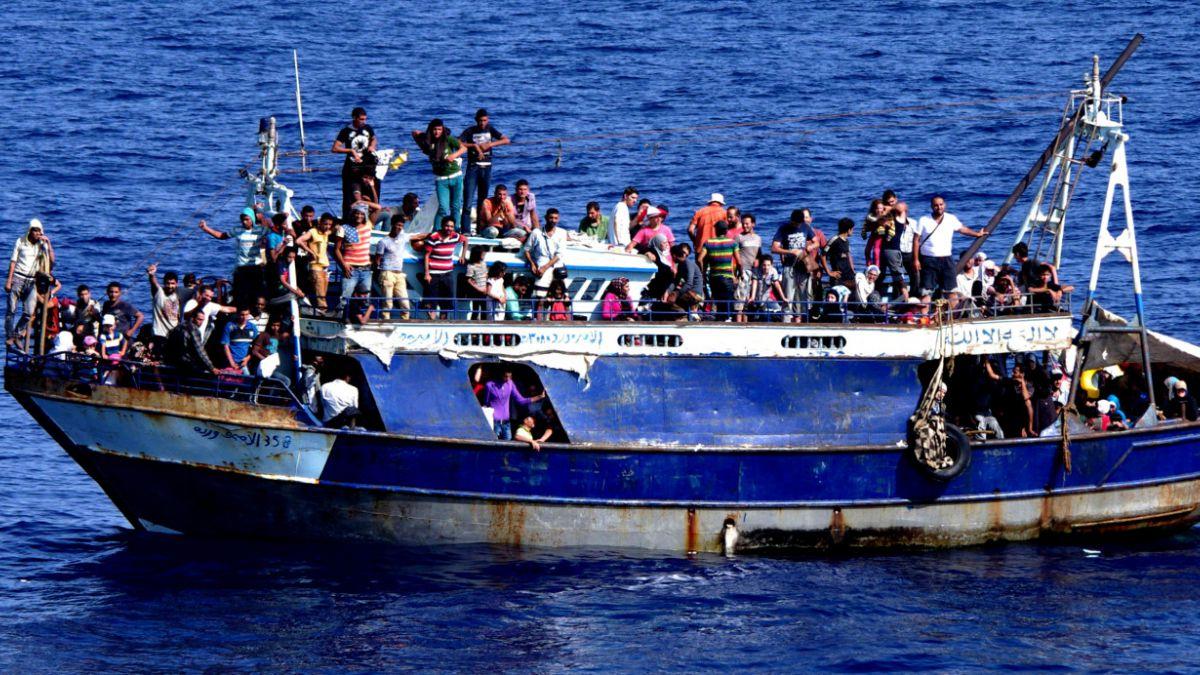Agencia europea de fronteras advierte sobre récord de migrantes en 2015