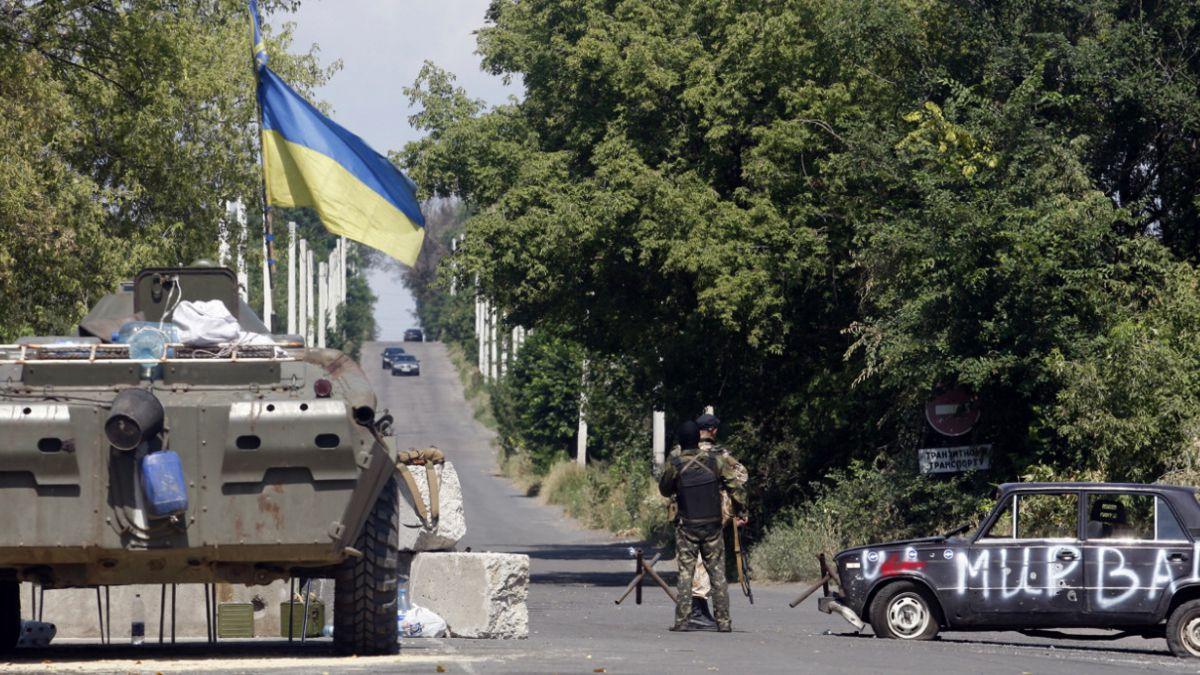 Presidente de Ucrania confirma que ejército se retira de Debáltsevo