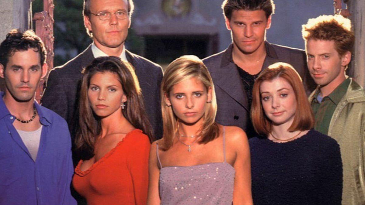 """Actor de serie """"Buffy, la cazavampiros"""" es detenido tras destrozar pieza de hotel"""