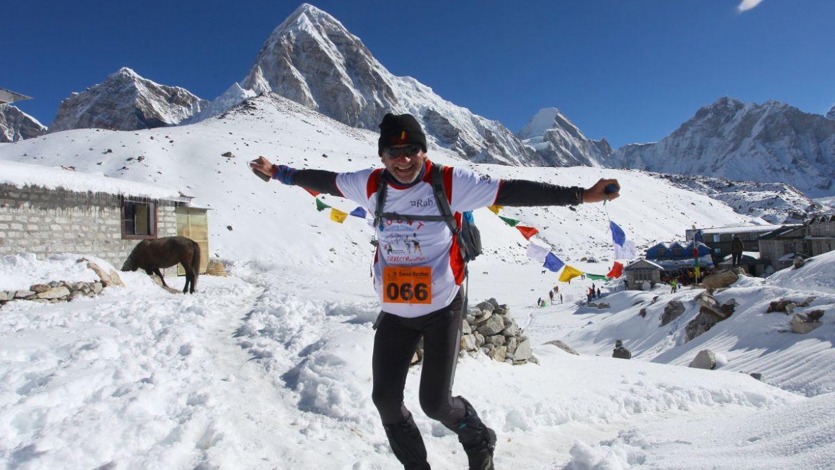 Las mejores (y más dificíles) rutas para alcanzar la cumbre del Everest