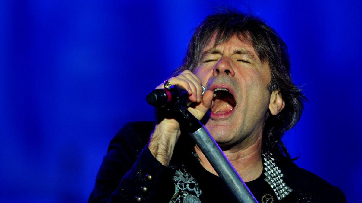 Vocalista de Iron Maiden sufre de cáncer