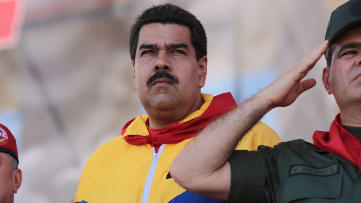 Maduro afirma que defenderá la democracia venezolana