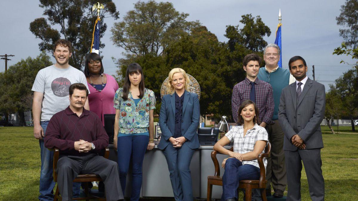 Encuentran muerto en su hogar a productor-escritor de serie Parks and Recreation