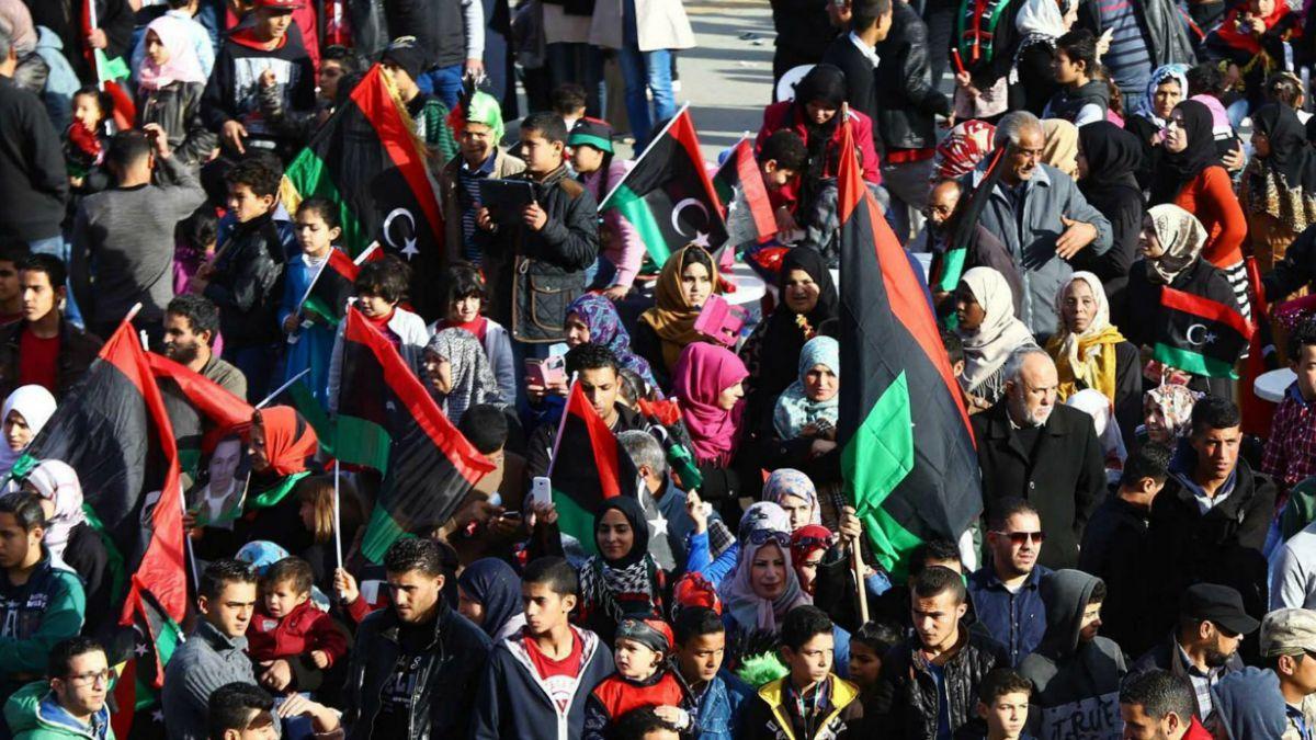 Triple atentado en Libia provoca la muerte de al menos 25 personas
