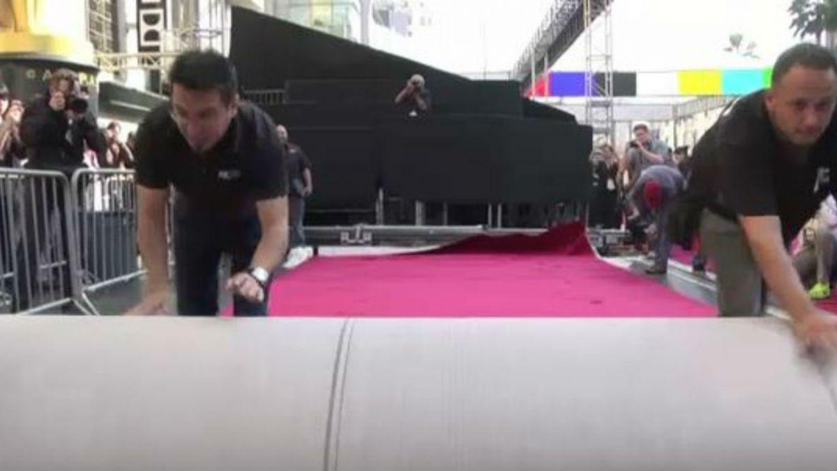 Oscar 2015: amenaza de lluvia obliga a cubrir alfombra roja a último minuto
