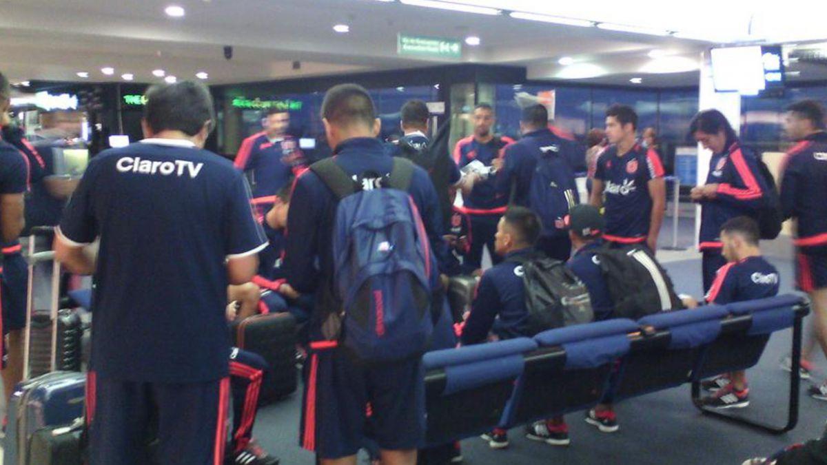 La U y Colo Colo parten rumbo a sus duelos por Copa Libertadores