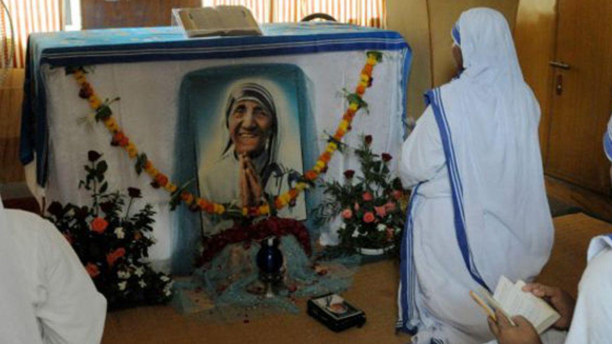 Polémica en India por críticas a la Madre Teresa de Calcuta