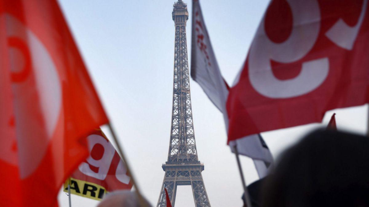 El misterio de los cinco drones que sobrevolaron el centro de París