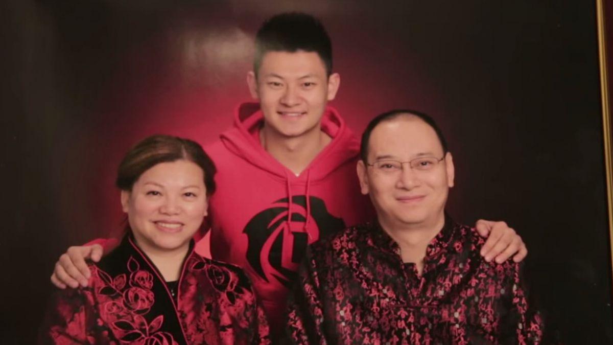 El video del joven chino que les dice a sus padres que es gay visto por más de 100 millones